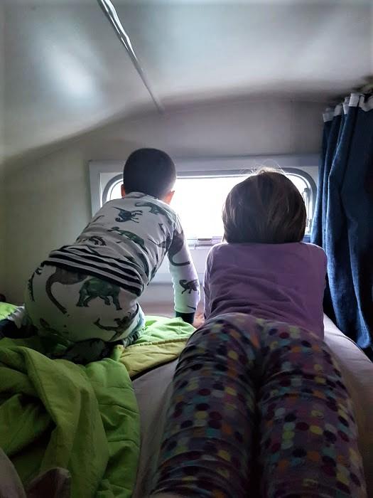 Bambini in camper: svegliarsi ogni giorno con un panorama diverso