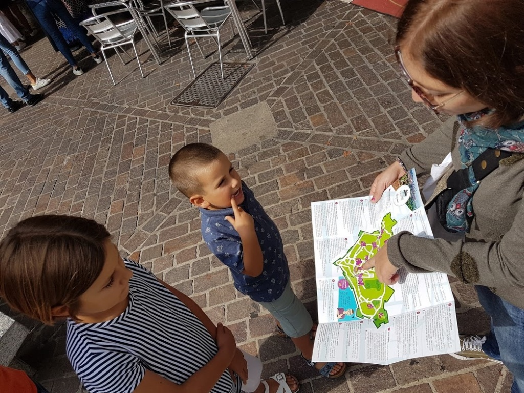 Pronti a partire per l'Escape Tour con la mappa della città