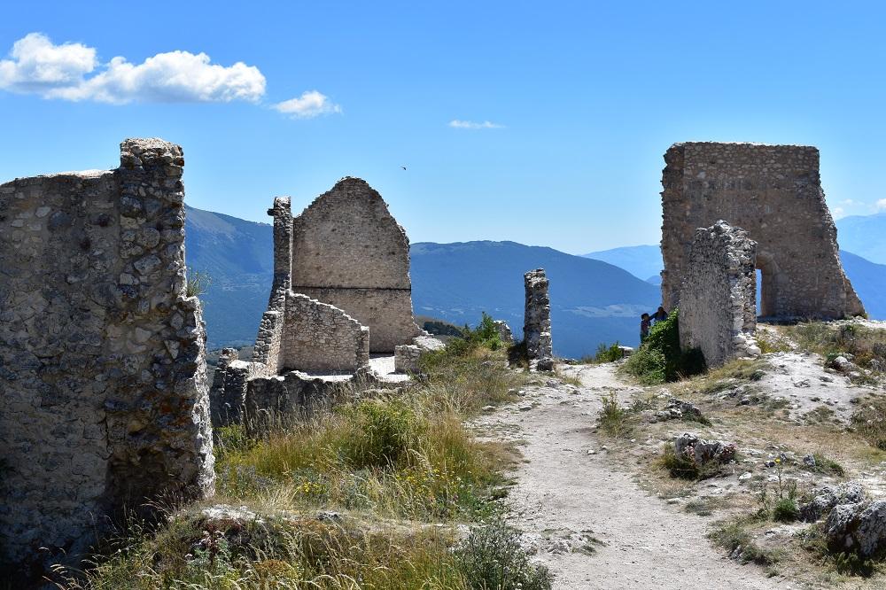 Le rovine di Rocca Calascio in Abruzzo