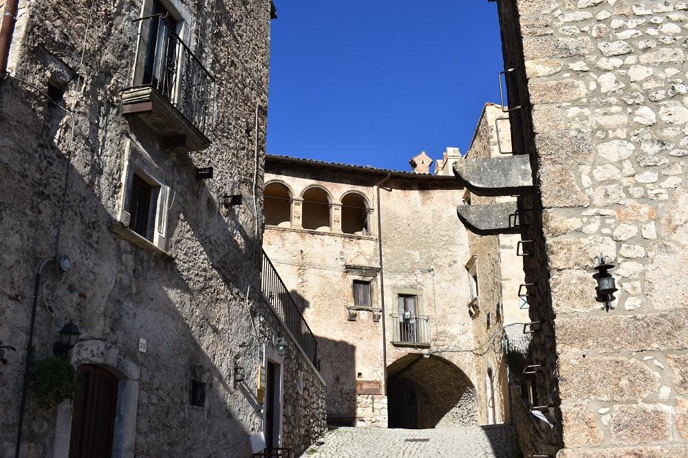 Il borgo di Santo Stefano di Sessanio in Abruzzo