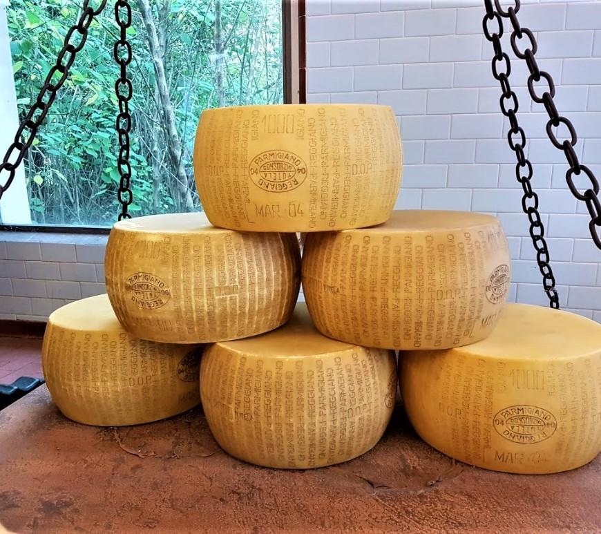 Forme di Parmigiano Reggiano